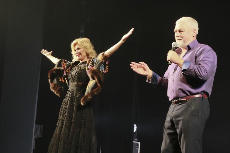Вика Цыганова с мужем Фото: Олег УКЛАДОВ